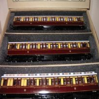 Suburban Coaches - Sets of 3